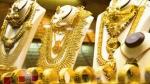 ഒക്ടോബറിലെ ഏറ്റവും ഉയർന്ന വിലയിൽ നിന്ന് സ്വർണ വില വീണ്ടും താഴേയ്ക്ക്, ഇന്നത്തെ വില അറിയാം