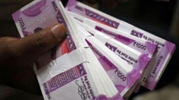 സംസ്ഥാന ബജറ്റ്: പ്രവാസികള്ക്ക് 3,000 രൂപ പെന്ഷന്