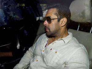 Salman Beats Bollywood Stars Advance Tax Payments