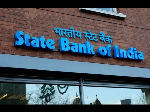 Sbi Cuts Savings Bank Rate 3 5 On Deposits Up Rs 1 Cr