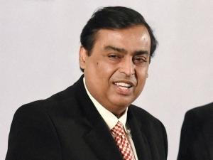 Mukesh Ambani Adds 12 1 Billion Becomes Second Richest Man