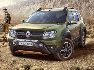 Renault Offers Up Rs 2 17 Lakh Discount On Duster