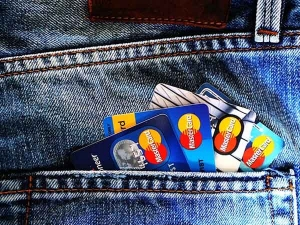 Must Knows Before You Get That Student Credit Card