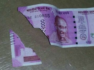 Soiled Rs 200 Rs 2000 Notes Stuck Bank Exchange Counter
