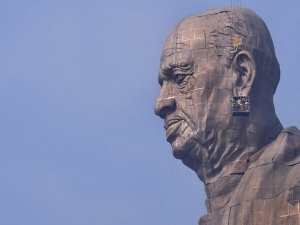 Lakh Visitors Came See The Statue Unity A Month