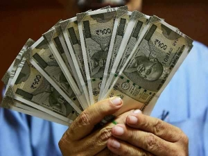 Report Says Salaries India Increase 10