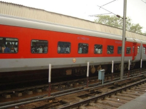Railways Issue Linked Pnrs Onward Journeys Like Airlines