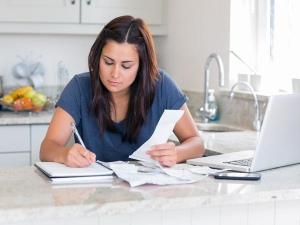 Working Woman 5 Financial Tips You Must Follow