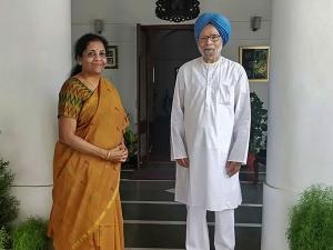 Nirmala Sitharaman Meets Former Pm Manmohan Singh Days Ahead Of Her First Budget