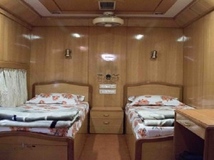 Train Travel With Your Own Bedroom These Luxury Indian Saloo