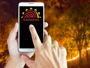 Google Admits Putting Old Uidai Helpline Number On Your Phon