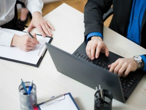 Job Worries Reaches Executive Jobs