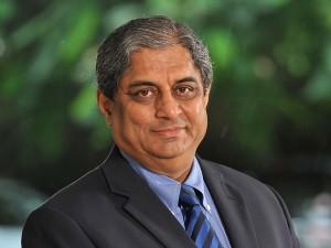 Aditya Puri Sells Rs 843 Crore Stake In Hdfc Bank