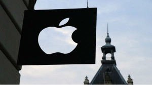 Apple Tops With 2 Trillion Market Capital Value More Than Gdp Of Brazil Australia Canada